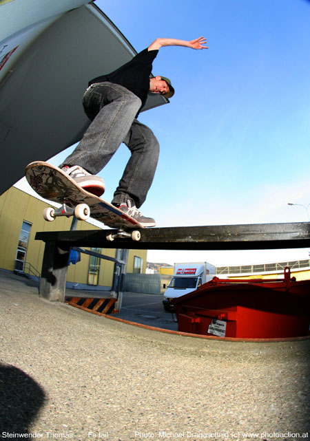 steini fs tailslide photo by mic dagaschnig